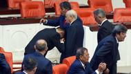 İYİ Partili vekil Devlet Bahçeli'nin elini öptü