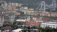 İtalya'da dehşet anları: Otoyol köprüsü çöktü.. 20 ölü