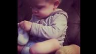 Şimdiden hayata tutunmuş! Minik bebek protez bacağını böyle taktı