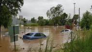 Karadeniz'de sel felaketi: Yollar çöktü, köprüler yıkıldı