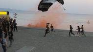 Hayko Cepkin Zeytinli Rock Festivaline paraşütle indi: Tam 1000 metreden..
