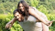 Demet Özdemir rol arkadaşı Can Yaman'la aşk mı yaşıyor!