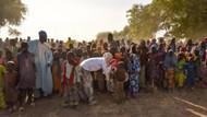 Gamze Özçelik ve gönüllüler Kamerun'da su kuyuları açtı