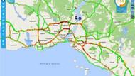 Karne günü heyecanı! İstanbul trafiği durma noktasına geldi