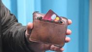 Paralı poşete çözüm! Hem cüzdan hem poşet olarak kullanılıyor