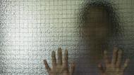 15 yaşındaki çocuğa banyoda cinsel istismar