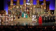 Aida, Radames'e aşkını 3 bin kişinin önünde haykıracak