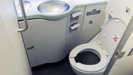 Sapık pilotlar uçağın tuvaletine gizli kamera koymuş