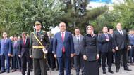 HDP'li Başkan İstiklal Marşı sırasında bunu yaptı