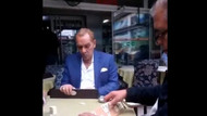 Atatürk'e benzeyen Göksel Kaya okey masasında görüntülendi