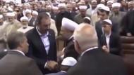 Adalet Bakanı hangi tarikat liderinin elini öptü?