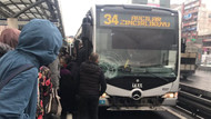 Şirinevler'de yolcuya metrobüs çarptı; Avcılar yönünde seferler yapılamıyor