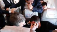 Sağlık Bakanı Fahrettin Koca'dan uçakta rahatsızlanan yolcuya müdahale