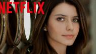 Beren Saat setten paylaştı! İşte Netflix dizisinin konusu...