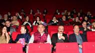 Sinemaya giden Kültür Bakanı Ersoy'a 30 dakika reklam izlettiler