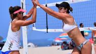 Güzel plaj voleybolcusu Melissa Fuchs sosyal medyayı sallıyor