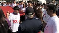 19 Mayıs yürüyüşünde İzmir Marşı engeline öğrencilerden tepki