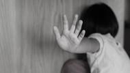 9 yaşındaki komşu çocuğuna cinsel istismar: Çıplak fotoğraflarımı çek