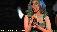 Dünyaca ünlü rap şarkıcısı Cardi B'nin makyajsız hali görenleri şoke etti!