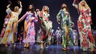 Moskova'da evli kadınlar güzellik yarışmasında ortalığı yıktılar