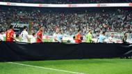 Beşiktaş ve Göztepe Emine Bulut için siyah pankartla çıktı