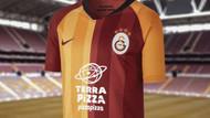 Galatasaray taraftarlarından Pizza Pizza sponsorluğuna tepki