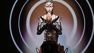 Robot rahip bilgeliği ile halkı şaşırttı
