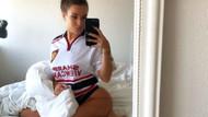 Katrina Maria yatak pozuyla Manchester United'a başarılar diledi