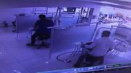 Bağcılar'da deprem anı güvenlik kamerasında