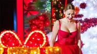 Hadise'nin göğüs dekolteli kırmızı elbisesi yürek hoplattı