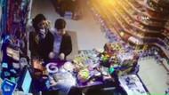 Deprem anında yaşanan panik market kamerasında
