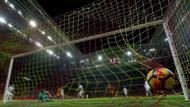 Sabah yazarı Mevlüt Tezel uyardı: Korsan maç yayını izleyenler yandı