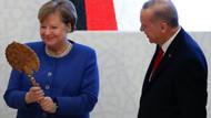 Erdoğan Merkel'e sırçalı saray aynası ile miğfer hediye etti