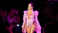 Latin güzel Natti Natasha New York Moda Haftası'nda
