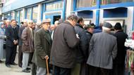 Emeklinin maaşı için promosyon yarışına giren bankaların sunduğu koşullara dikkat