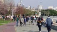 İstanbullular koronavirüse aldırış etmedi! Sahile akın ettiler