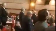 İBB'de CHP'li üyeler İstiklal Marşı'na eşlik etmedi