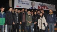 CHP'li gençlerden afiş nöbeti