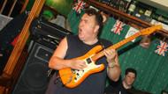 Ünlü gitarist kalp krizi geçirdi!