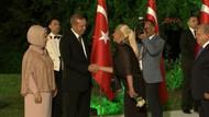 Muazzez Ersoy'dan Erdoğan çiftine gül