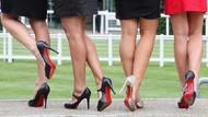 Ayakkabıları kadınların ayağındayken çalıyor!