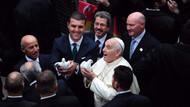 Sarıgül, Papa ile güvercin uçurdu
