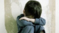 7 yaşındaki erkek çocuğuna tecavüz edip yaktılar!