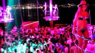 Bodrum'daki yüzer discoda sezonun ilk partisi