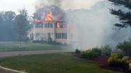 Evin çatısına uçak düştü! 3 ölü