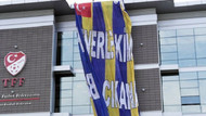 Federasyon binasına dev Fenerbahçe bayrağı!