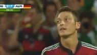 Mesut 8. golü kaçırınca Türkçe küfür etti
