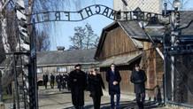 Merkel'den Nazi toplama kampı ziyareti