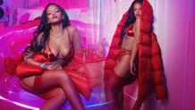 Rihanna'nın iç çamaşırlı pozu sosyal medyayı salladı
