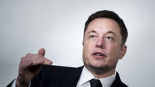 Elon Musk: Facebook'u silin, devri bitti